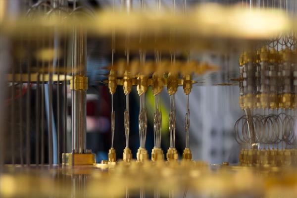 Computer quantistico: prosegue la battaglia IBM-Google